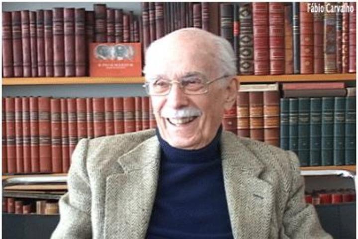 Foto da capa do livro Homenagem a Antonio Candido